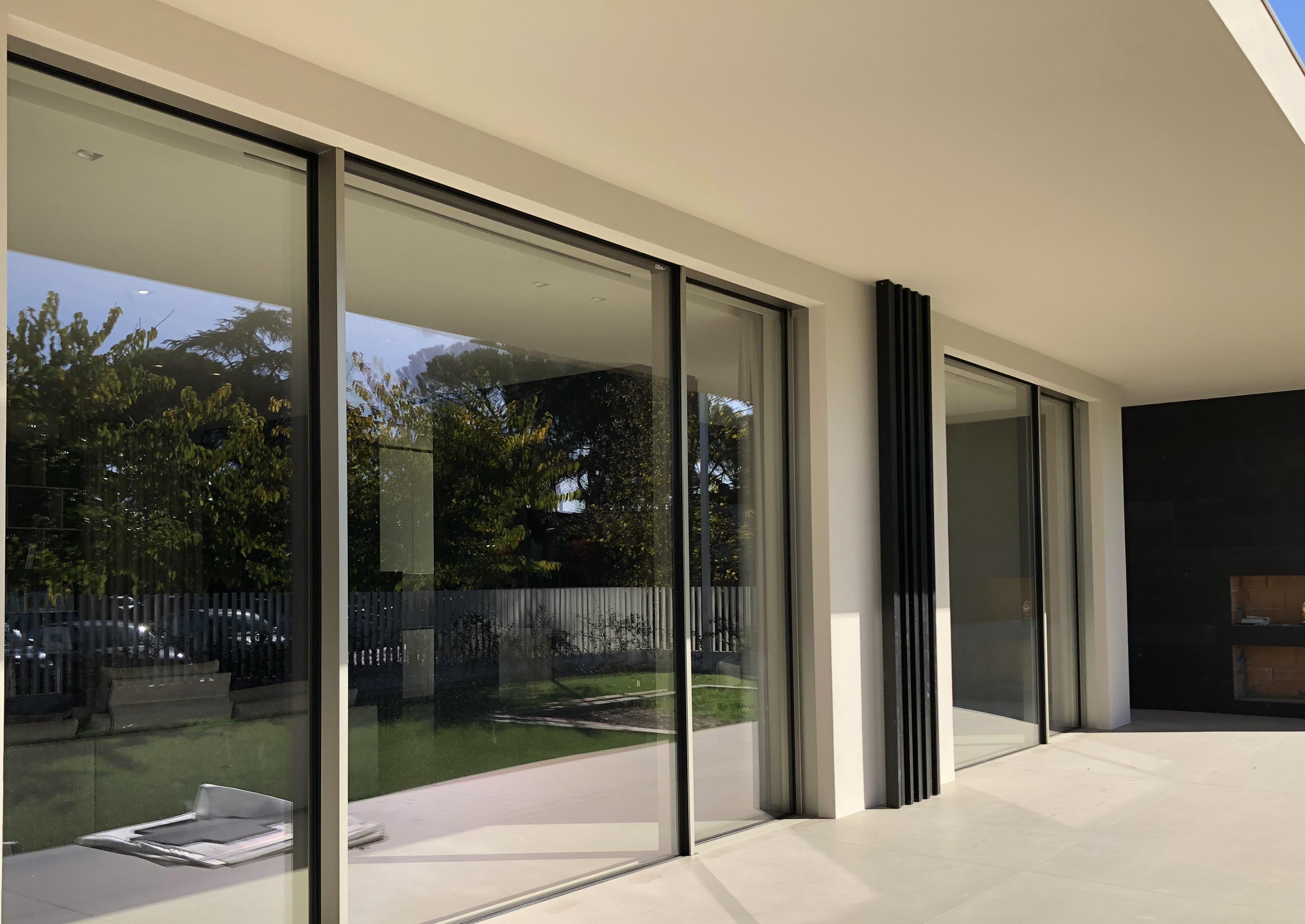 Muffa Vicino Agli Infissi finestre panoramiche: luminosità, design e sicurezza